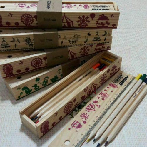 مداد رنگی جعبه چوبی mine